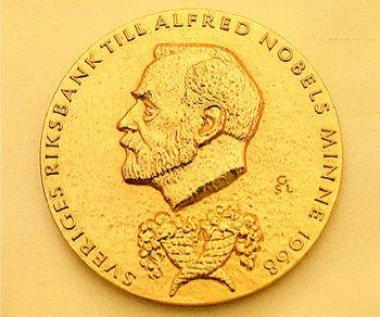آیا جایزه نوبل اقتصاد، واقعاً جایزه نوبل است؟!