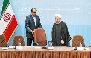 سایه احمدینژادیسم بر سر روحانی